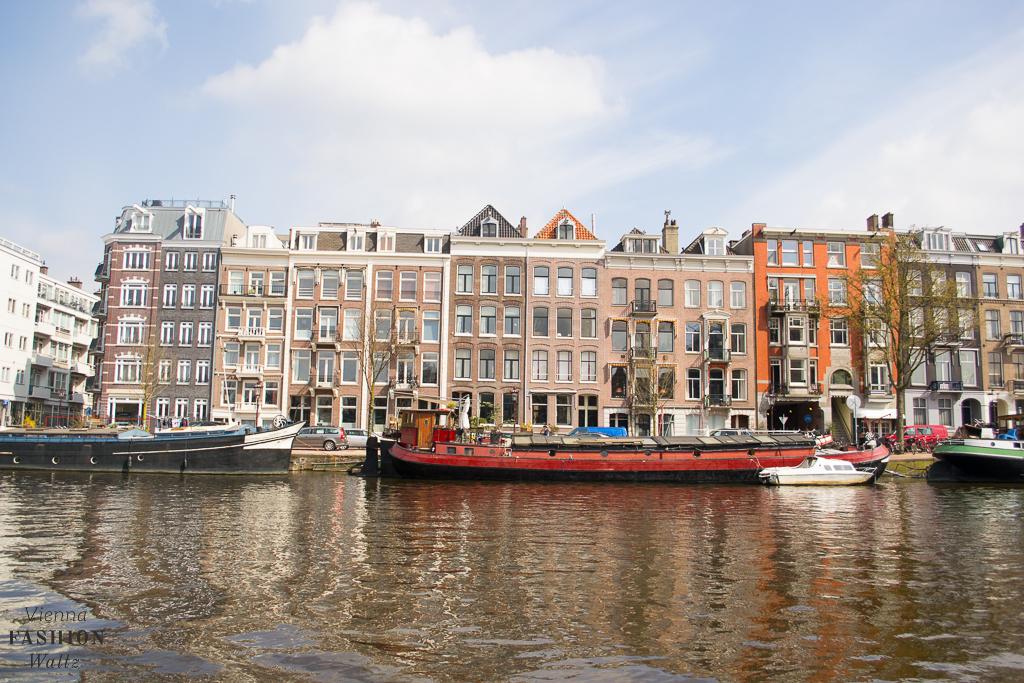 How to pack for an attractive trip to Amsterdam Travel Amsterdam Lifestyleblog www.ViennaFashionWaltz.com Wien Österreich Austria (33 von 72)