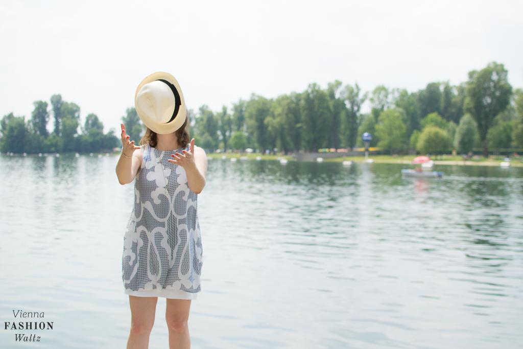 Sommer an der Alten Donau  Wien Österreich www.viennafashionwaltz.com White Summer Dress Mango (32 von 32)