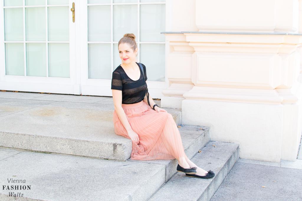 fashion-lifestyle-blog-wien-austria-www-viennafashionwaltz-com-plisseerock-33-von-56