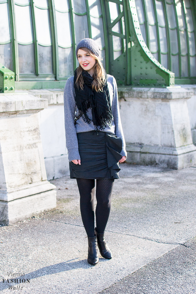 Falling for Tights: All you need is an All Black Outfit | Style, Fashion, Trends