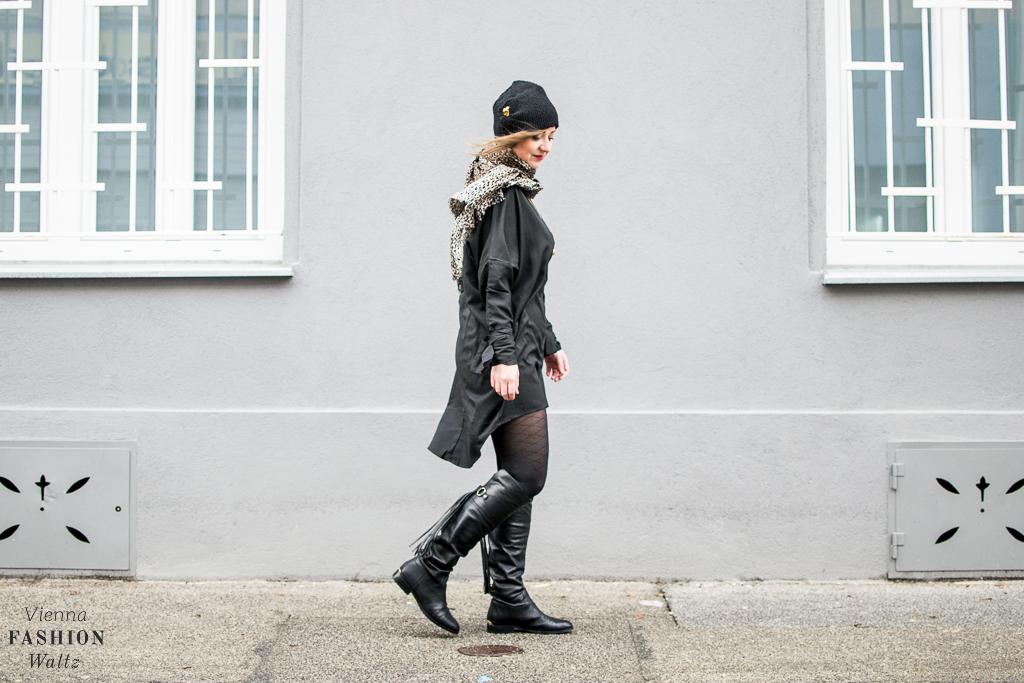 fashion-food-lifestyle-blog-wien-austria-oesterreich-www-viennafashionwaltz-com-all-black-outfit-look-black-dress-26-von-50