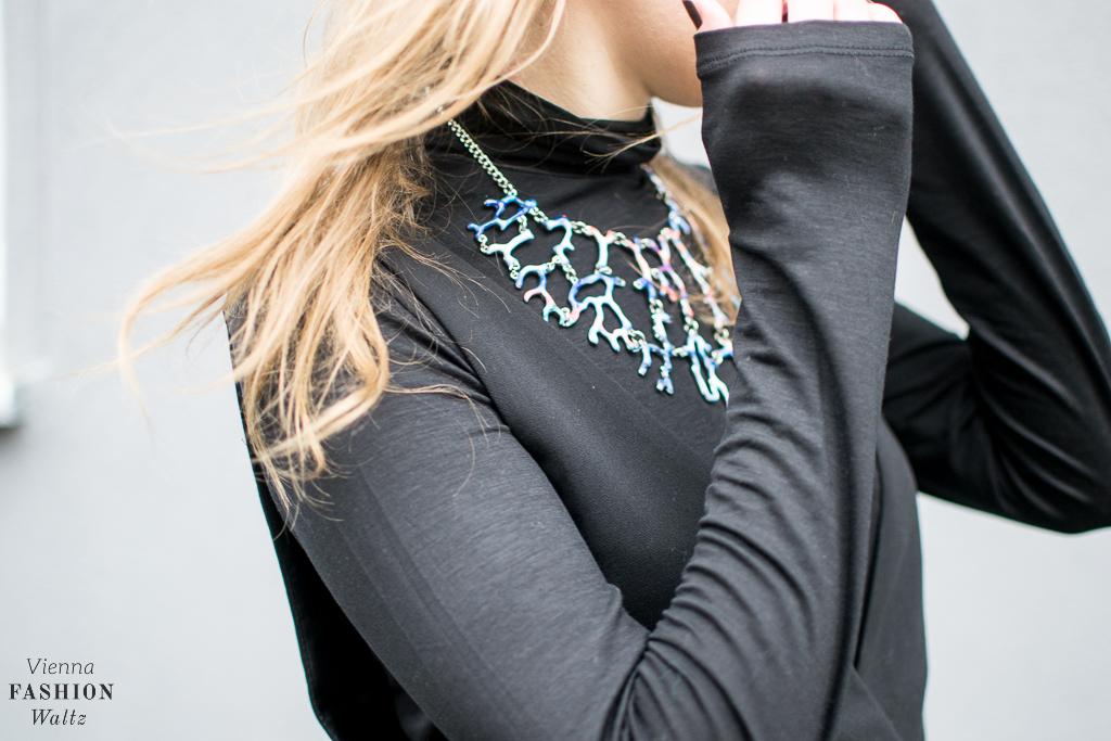 fashion-food-lifestyle-blog-wien-austria-oesterreich-www-viennafashionwaltz-com-all-black-outfit-look-black-dress-41-von-50