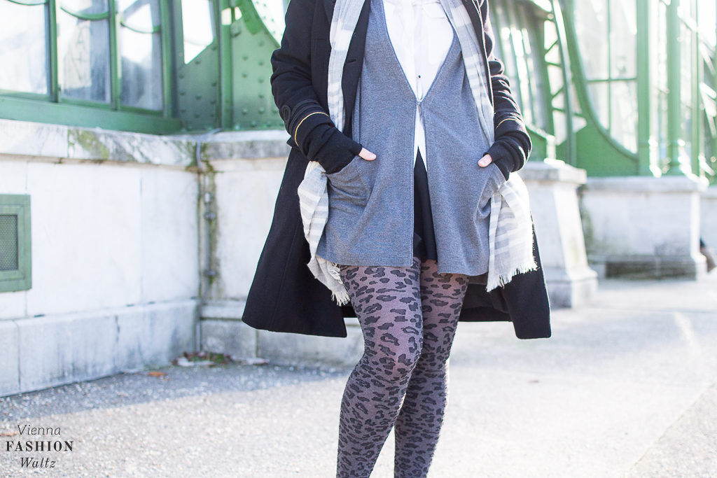 Sneakers & Tights Outfit   Leoprint, Fashion, Style, Woman, Damen, beauty-fashion-food-lifestyle-blog-wien-austria-oesterreich-www-viennafashionwaltz-com-falling-for-tights-32-von-59