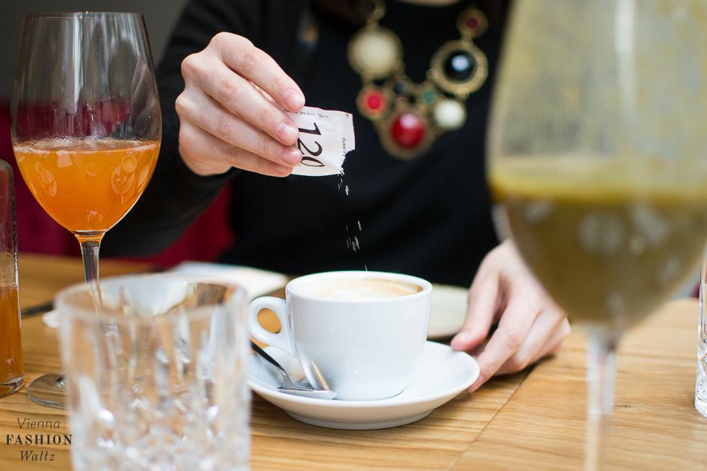 beauty-fashion-food-lifestyle-blog-wien-austria-oesterreich-www-viennafashionwaltz-com-wein-co-fruehstueck-wien-jasomirgottstrasse-stephansplatz-9-von-51