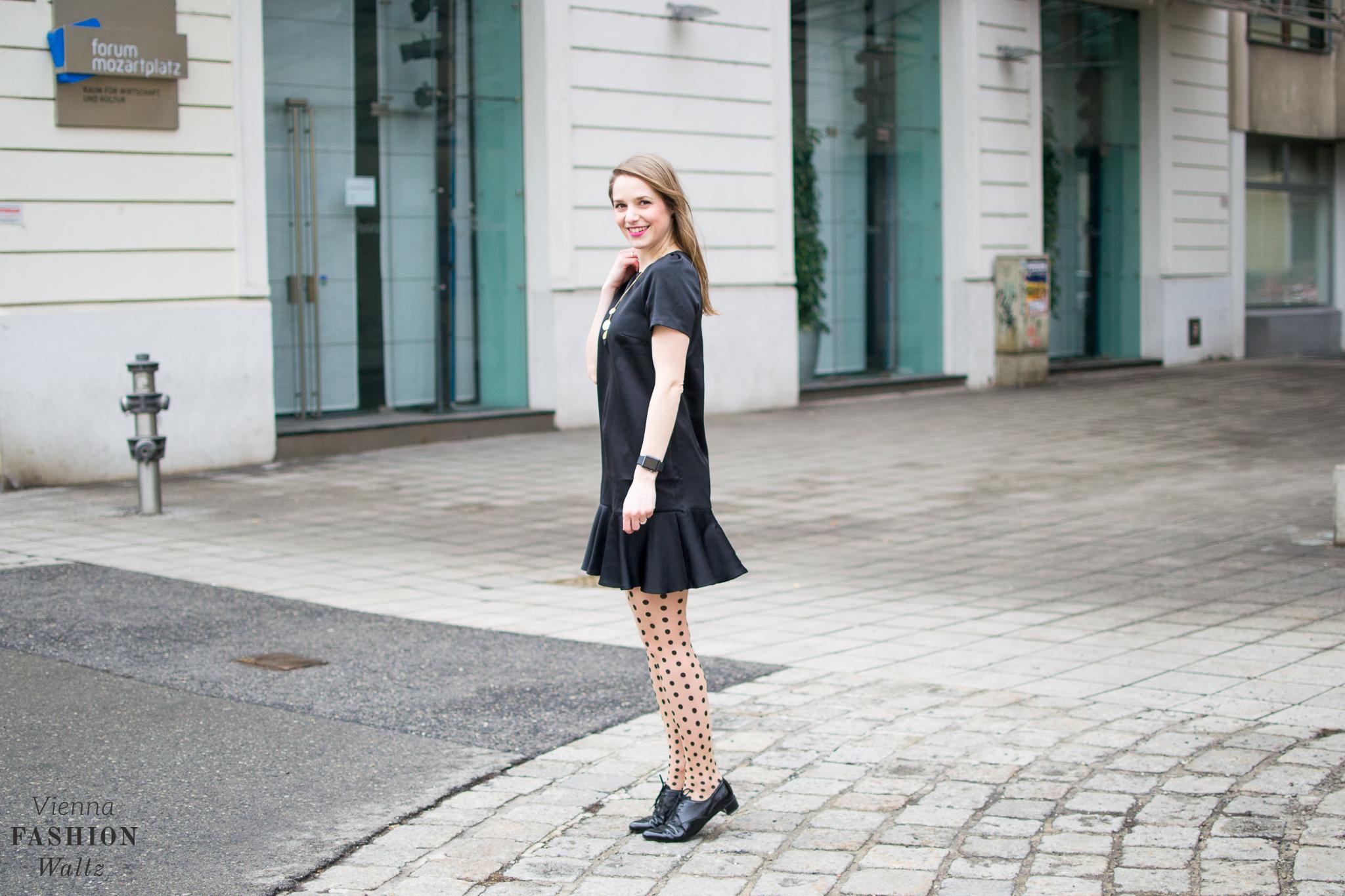 Fashion Lifestyle Blog Wien Austria Österreich www.viennafashionwaltz.com Volant Black Dress H&M