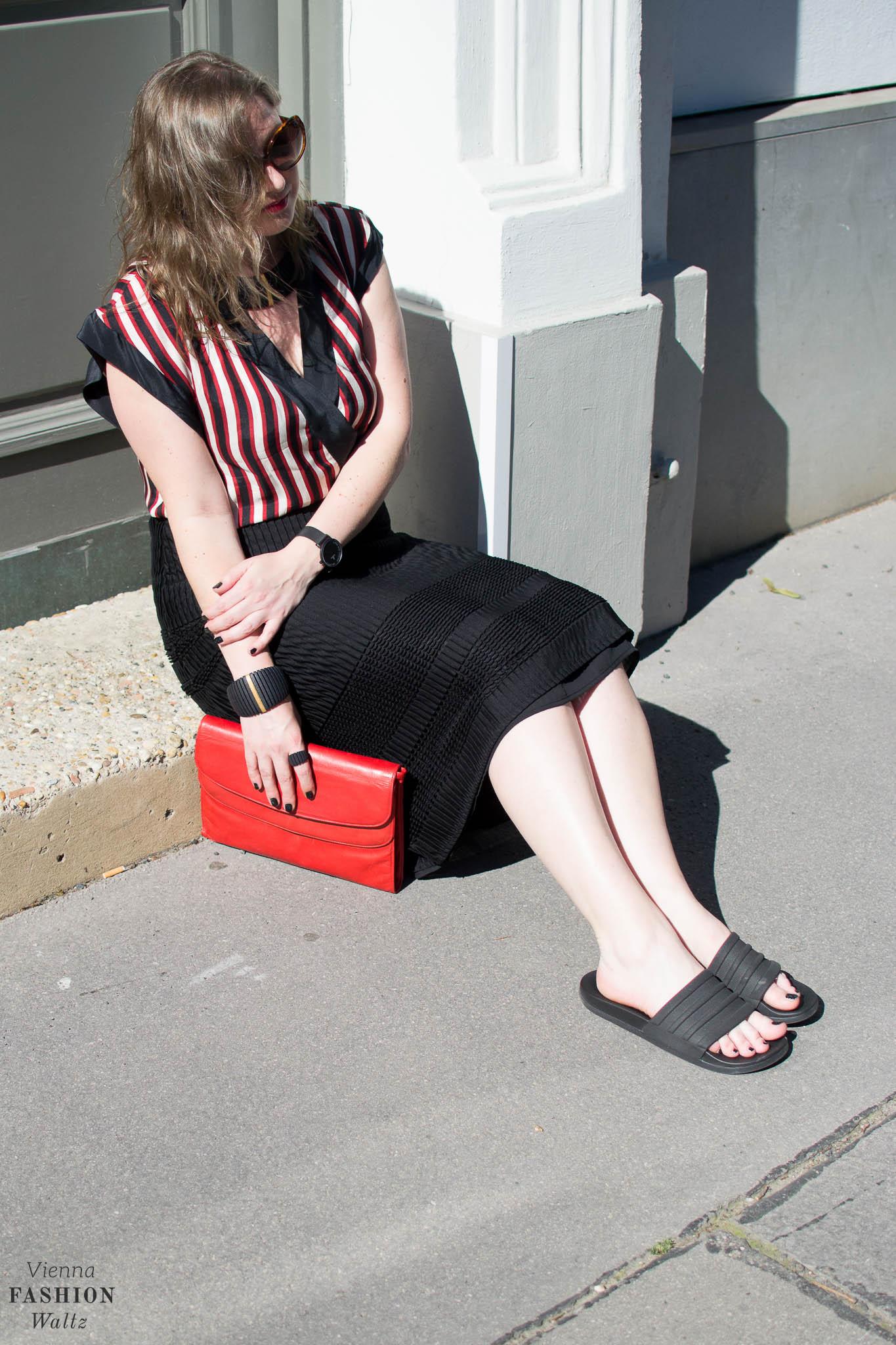 Summer Stripes, Blogger Outfit, Bold Stripes, 3D Jewellery, Bally Bag, Vienna www.viennafashionwaltz.com