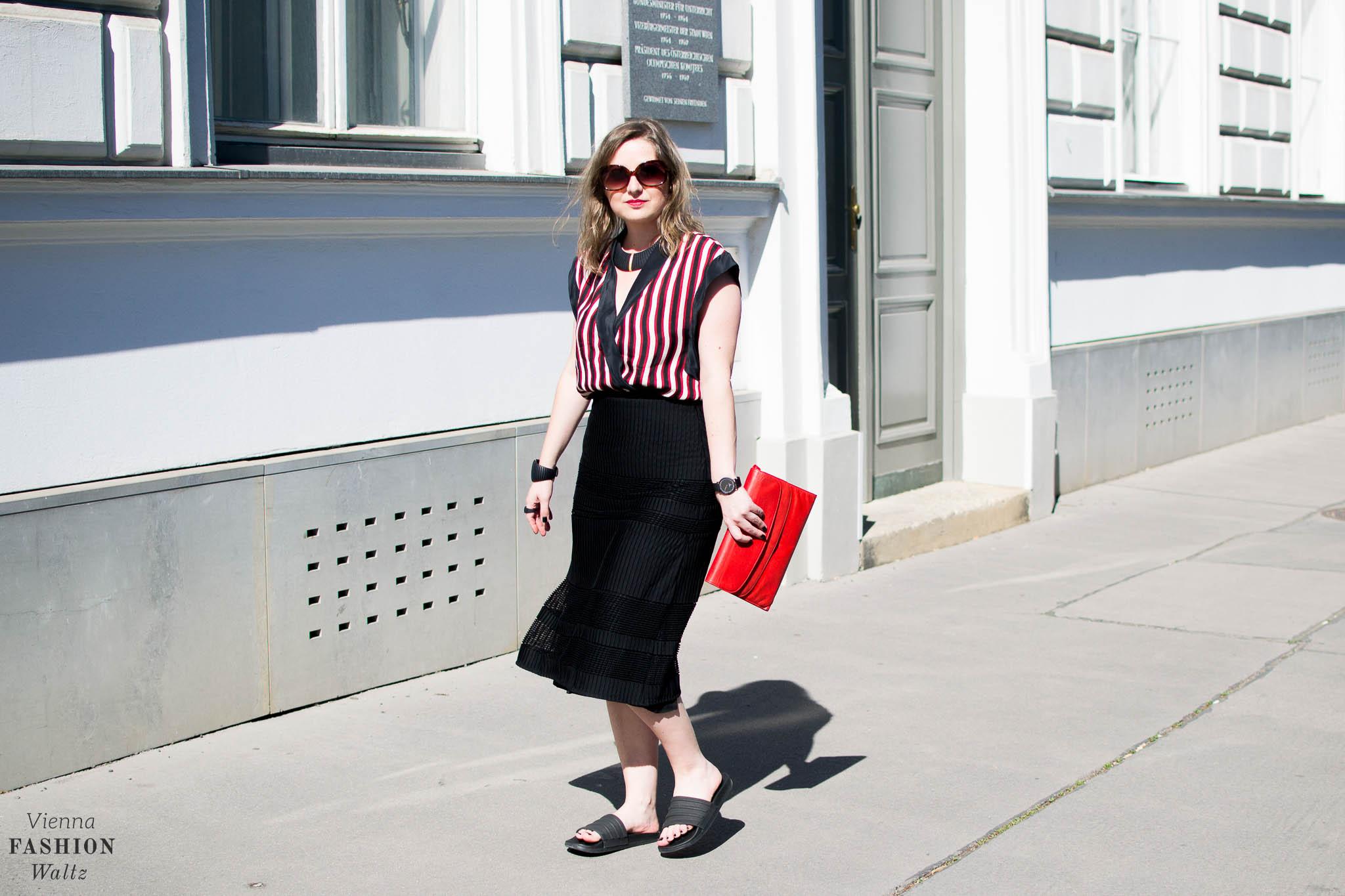Summer Stripes, Streifen, Blogger Outfit, Bold Stripes, 3D Jewellery, Dario Scapitta Design, Bally Bag, Vienna www.viennafashionwaltz.com