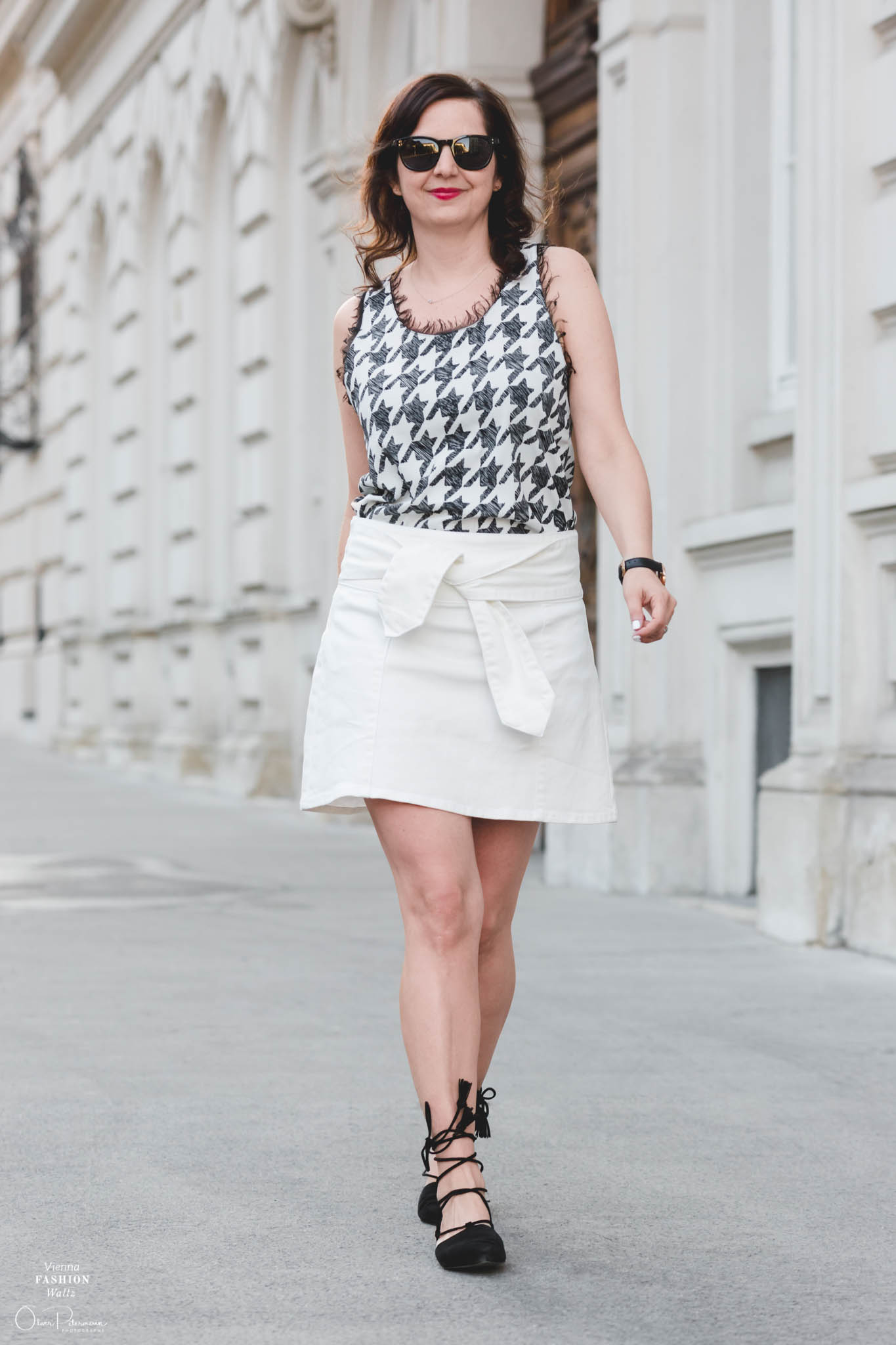 Jeans Rock mit Schleife, Outfit, Style, Fashion, Sommer, Prints, weißer Jeansrock, summer white style