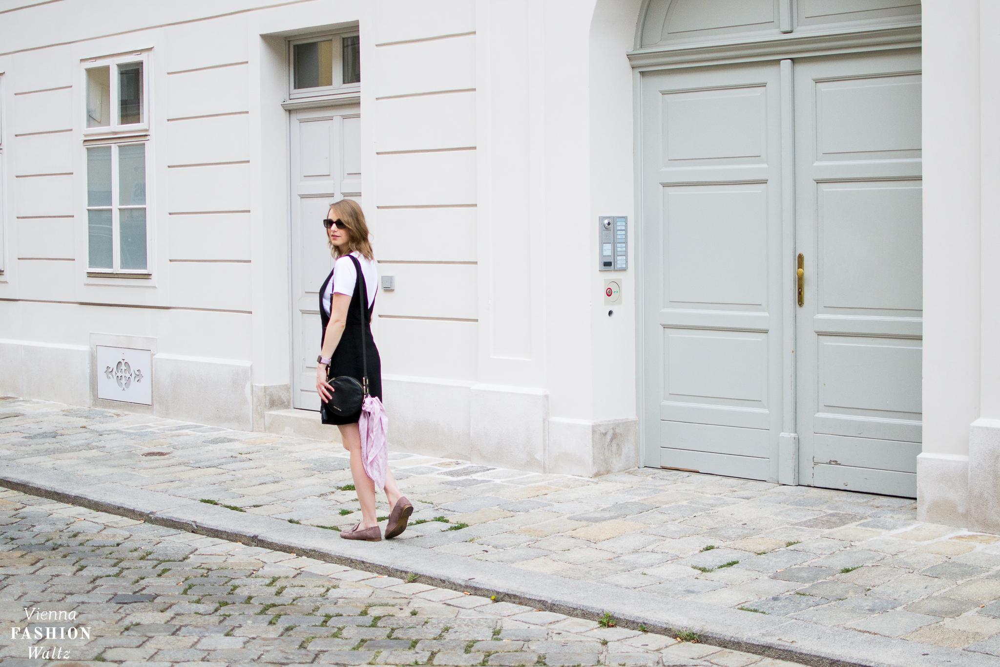 Fashion Food Beauty DIY Lifestyle Blog Wien Austria Österreich www.viennafashionwaltz.com Loafers Deichmann Kleid H&M T-Shirt Cos Sonnenbrille Prada