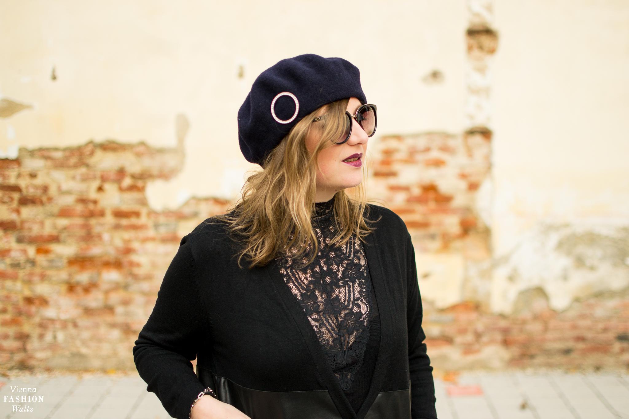 Fashion Trend: Winter Florals | Vintage Shirt mit spitze, Vintage Barett, Hose H&M, Weste Zara