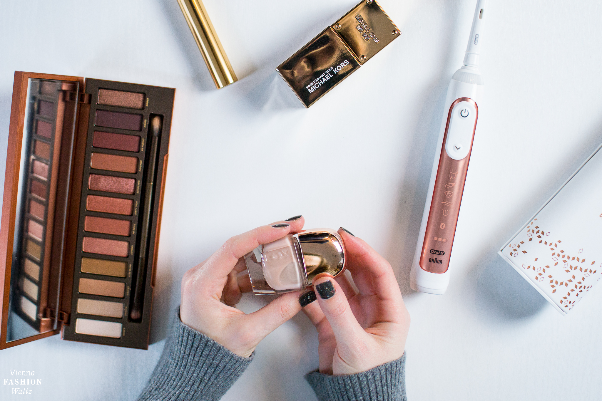 5 things in Roségold Fashion, Beauty und Lifestyleblog Vienna Fashion Waltz Oral B Genius 9000S Rose Gold Urban Decay Naked Heat LOVtreat Lacquer Michael Kors Rose Radiant Gold Perfume Yves Saint Laurent Mascara