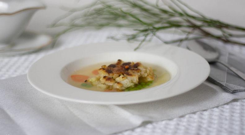 Kaspressknödel Suppe Salat Vienna Fashion Waltz