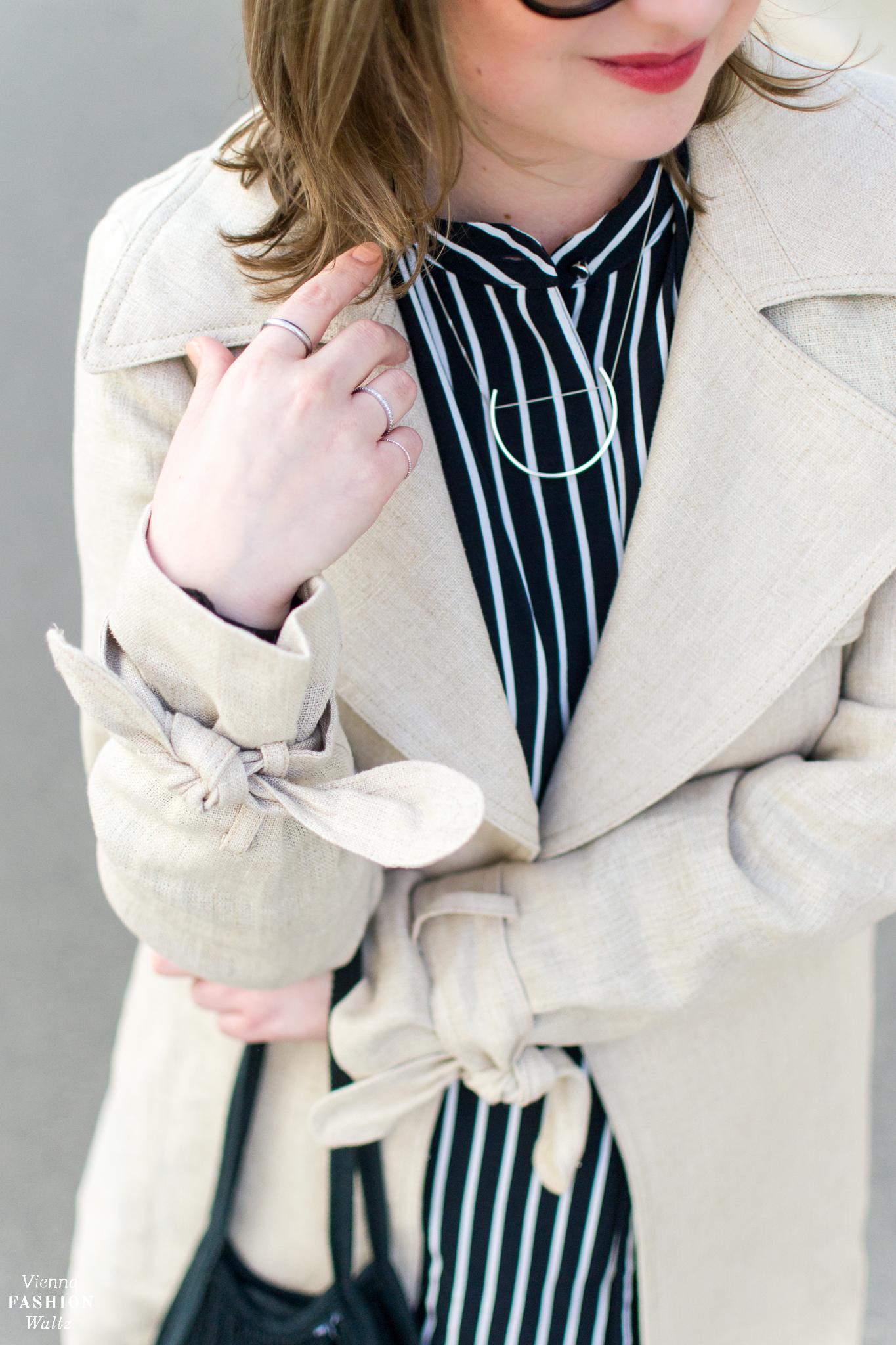 Die richtige Pflege von Leinen | Ein Trenchcoat aus Leinen zum Streifenkleid | Fashion Trends | Streetstyle Vienna | Outfit
