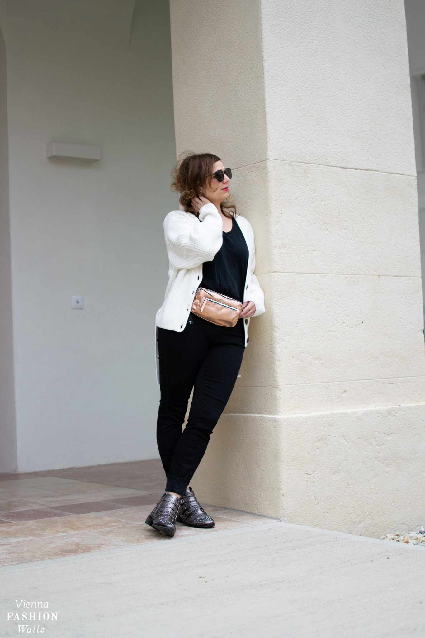 Fashionblog Influencer &otherstories boxycardigan Deichmann Boots Closed Jeans Vienna Fashion Waltz